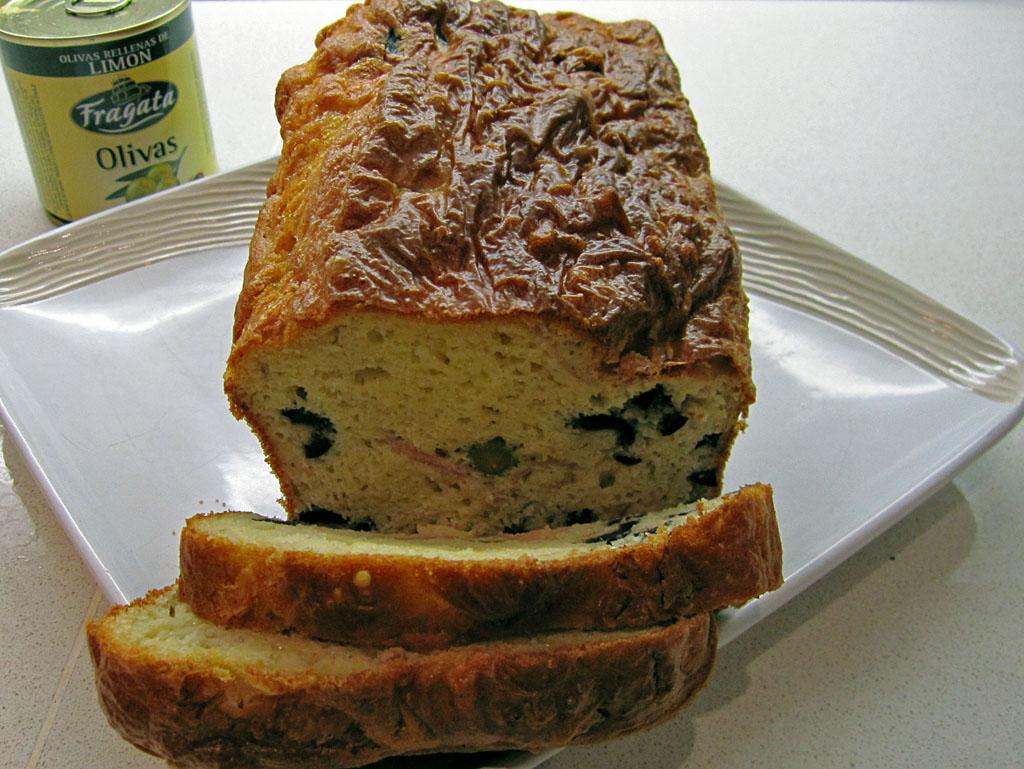 cake aux olives de ma m re l gumes et chocolat. Black Bedroom Furniture Sets. Home Design Ideas